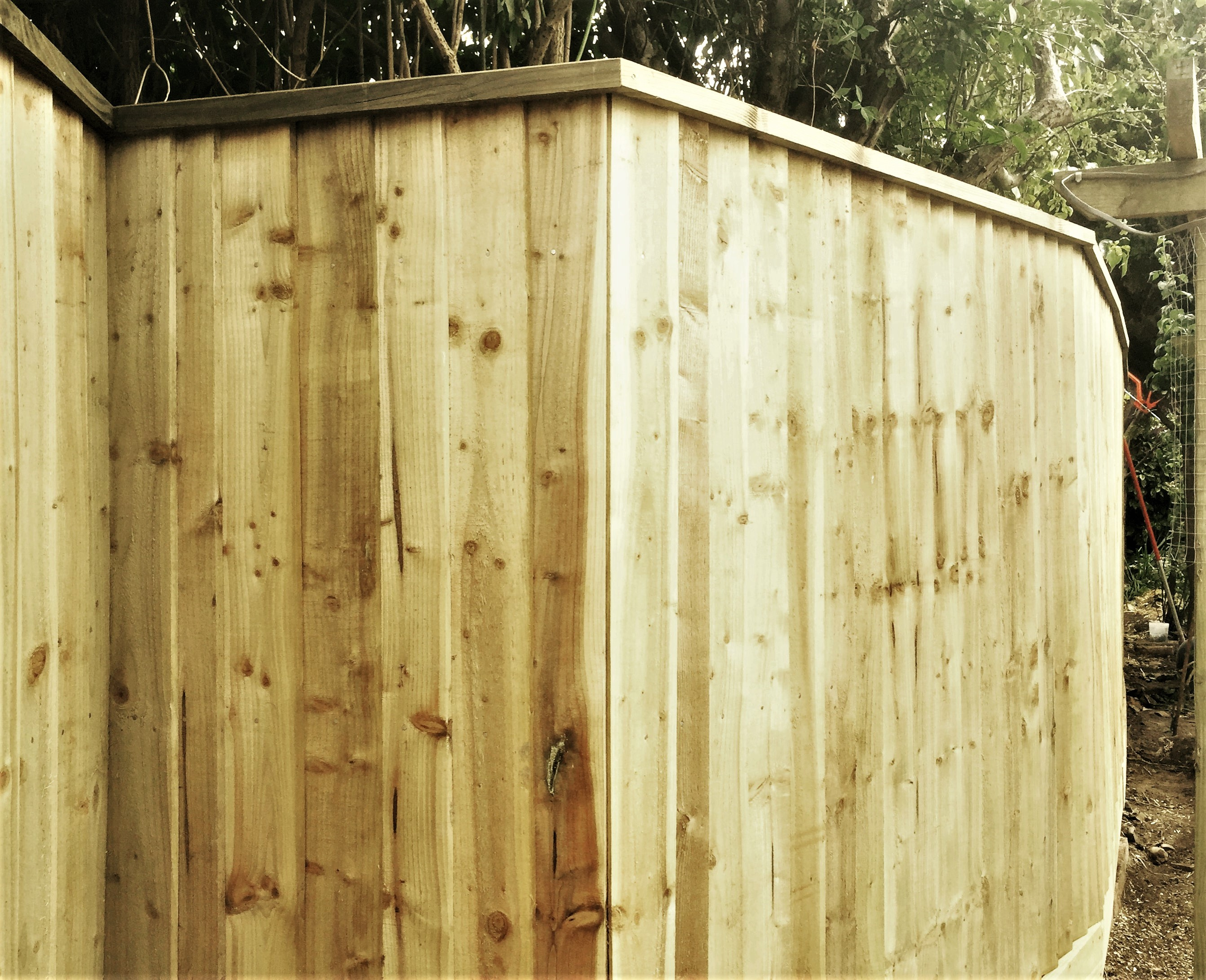 Featheredge fence with unusual angles