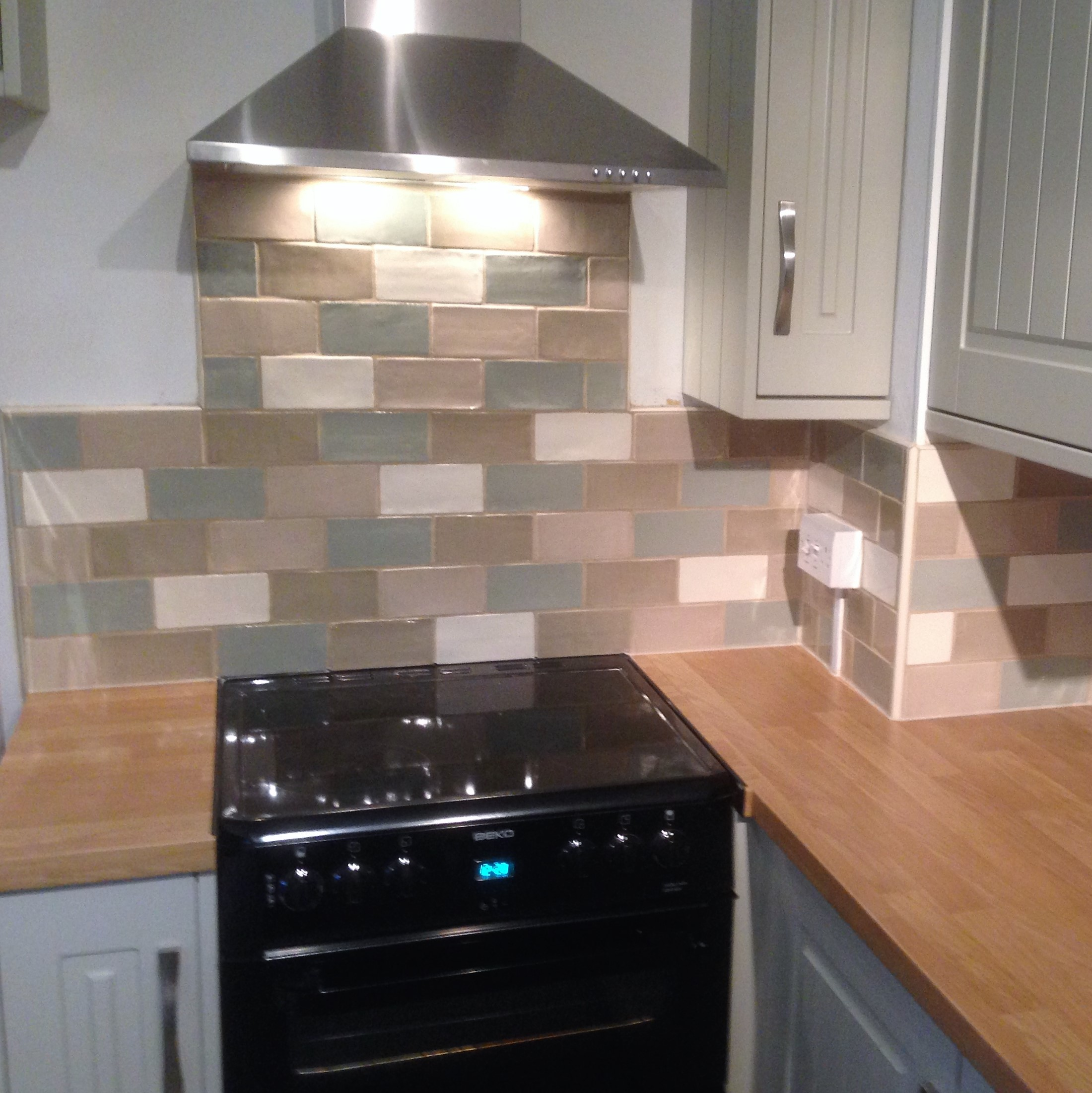 Kitchen Fitting In Bristol Fitting Tiling Flooring Decorating All In One Laywoods