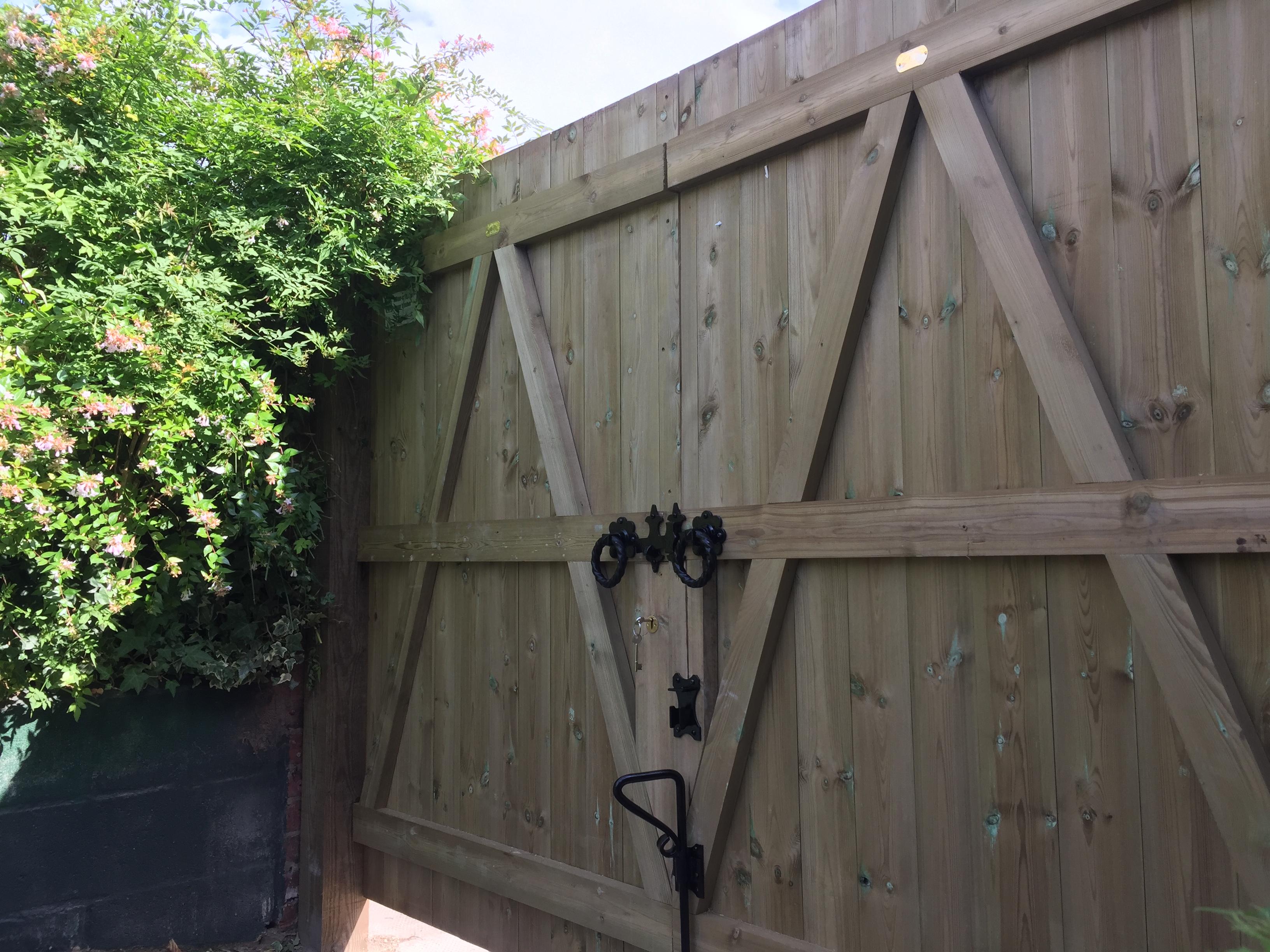 Back of double gates