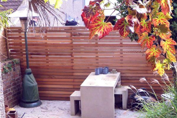 Western-red-cedar-slatted-fence-bristol-freshblue